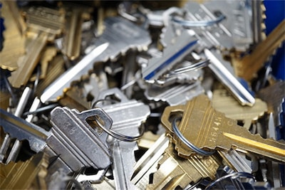 image of a pile of keys